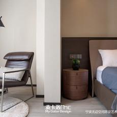 优雅95平现代三居卧室设计图
