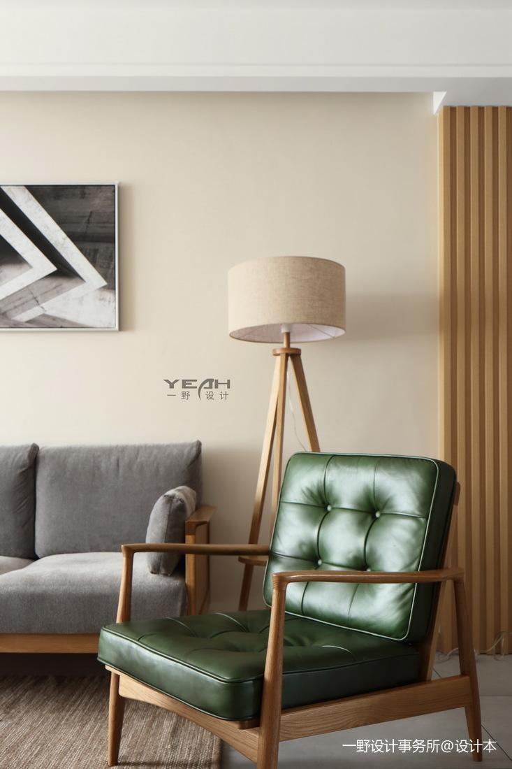 轻奢89平日式三居客厅装饰图