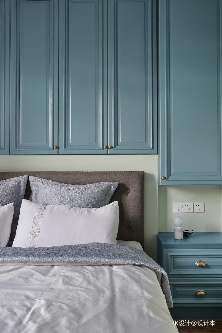 优美52平法式复式卧室装修效果图