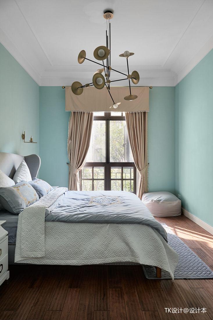 温馨56平法式复式卧室实景图