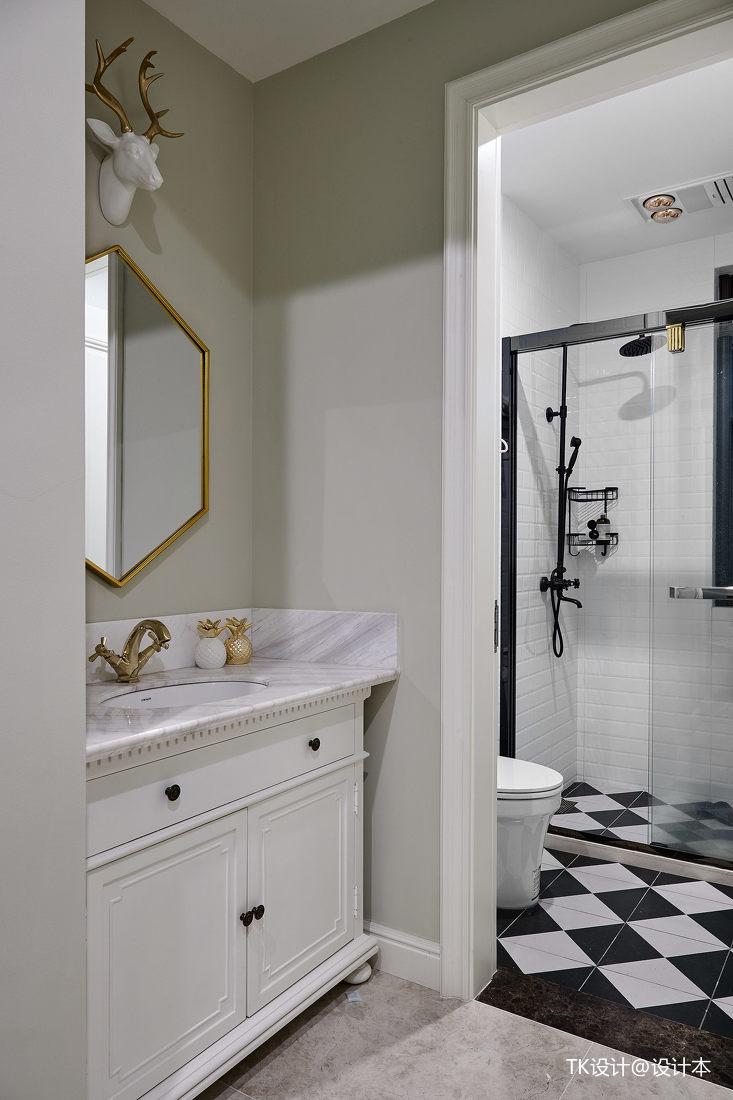 明亮76平法式复式卫生间装修案例