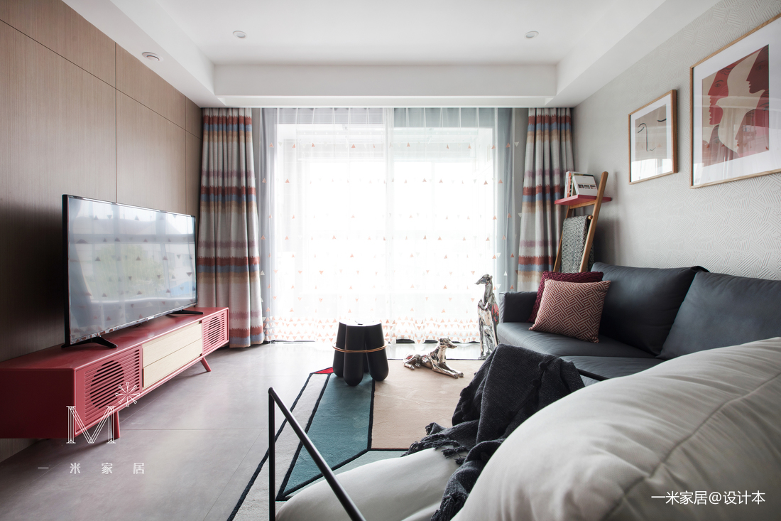 精美24平现代小户型客厅实景图