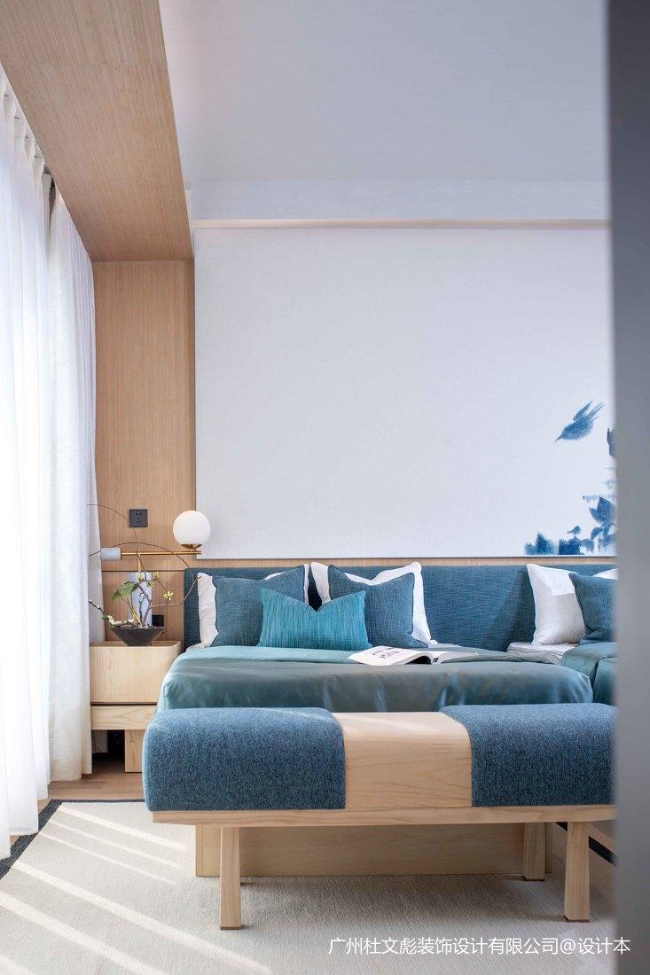 大气724平现代别墅卧室设计案例