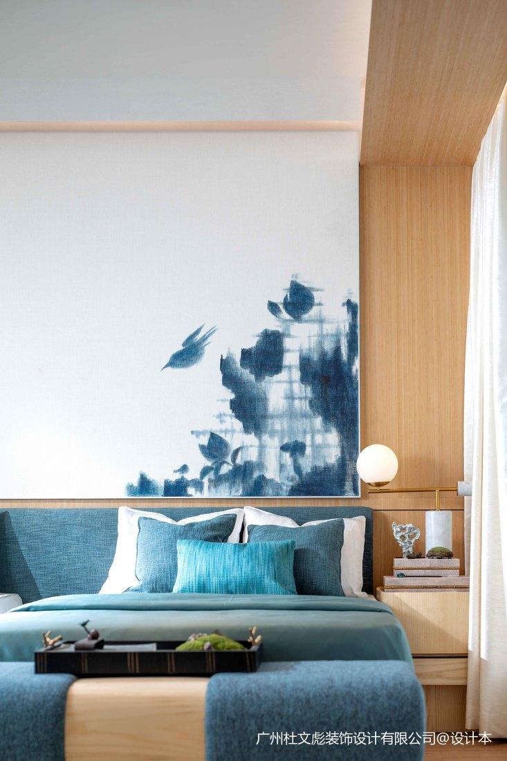 浪漫656平现代别墅卧室实拍图