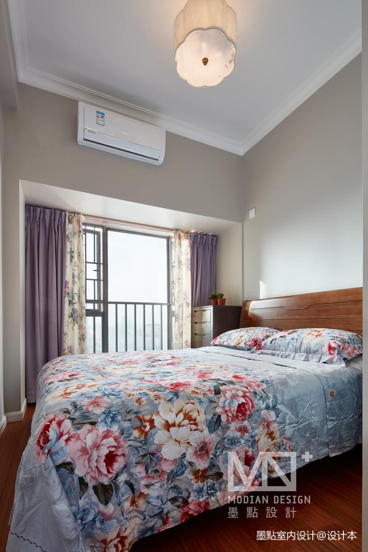 轻奢107平美式四居卧室实景图片