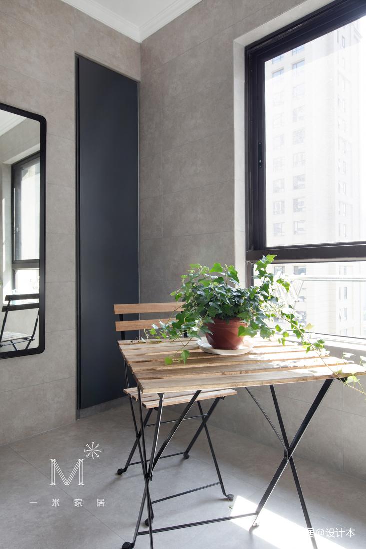 典雅82平现代二居阳台装修案例