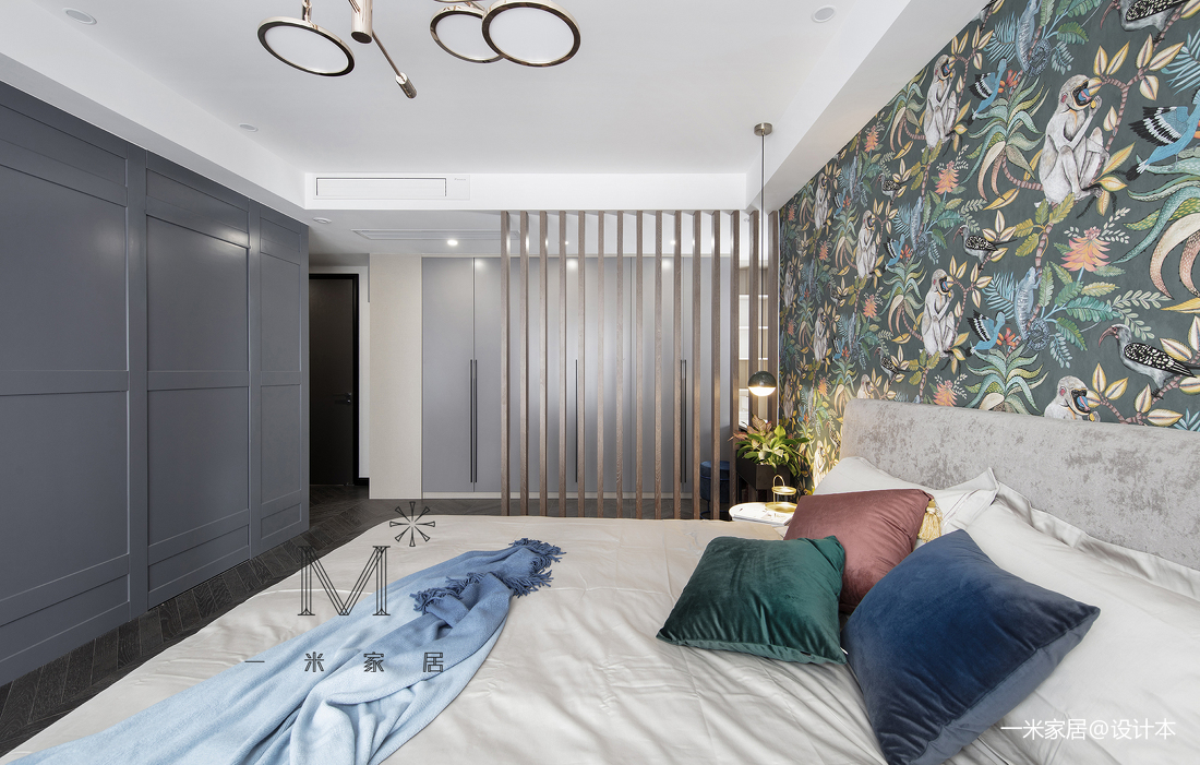 悠雅77平现代三居卧室装修图
