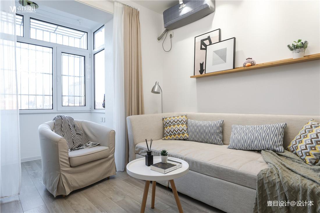 轻奢28平北欧小户型客厅案例图
