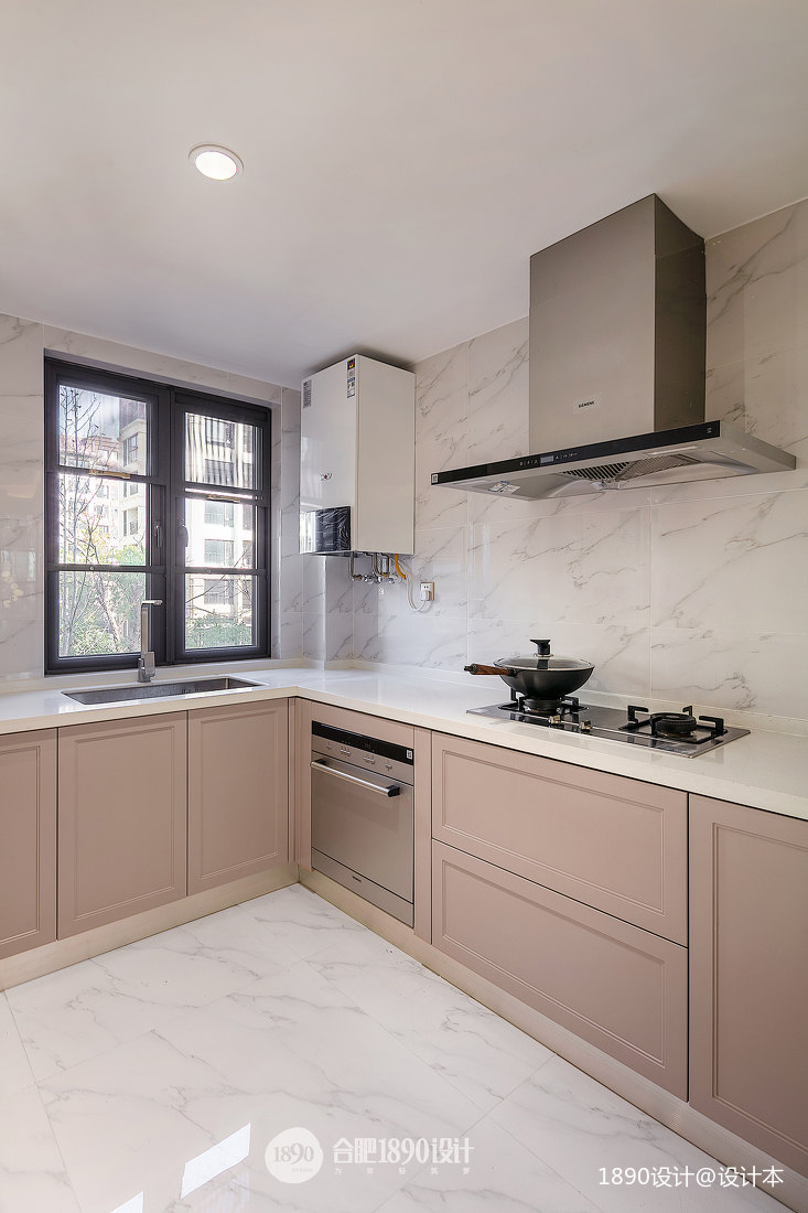 2019160平法式四居厨房装修案例