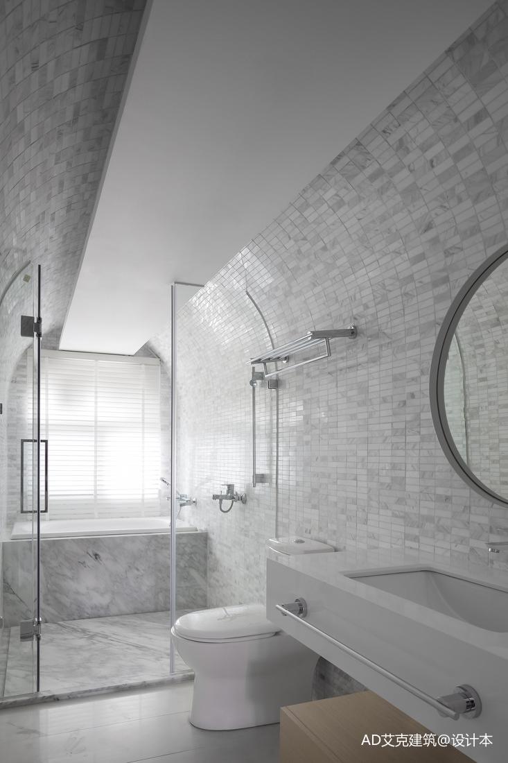 精致48平现代复式卫生间装饰图