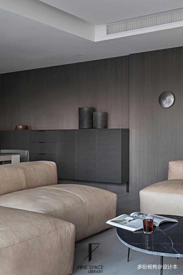 优雅72平现代复式客厅图片欣赏