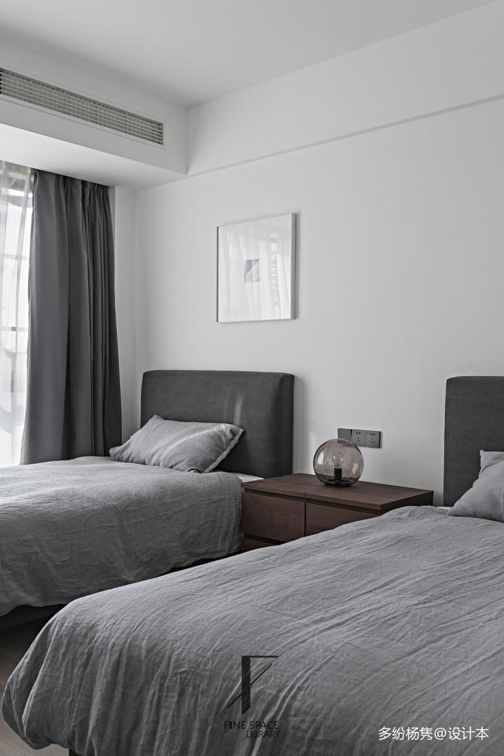 典雅64平现代复式卧室美图
