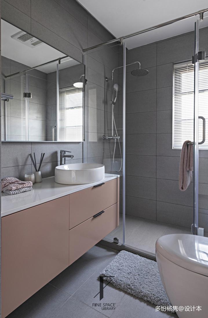 优雅49平现代复式卫生间布置图