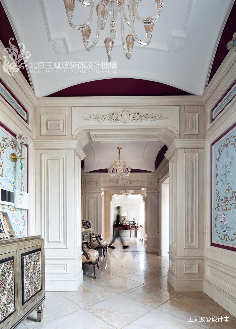轻奢995平法式别墅客厅实拍图