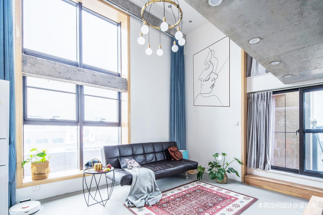 大气83平LOFT复式客厅装修图片