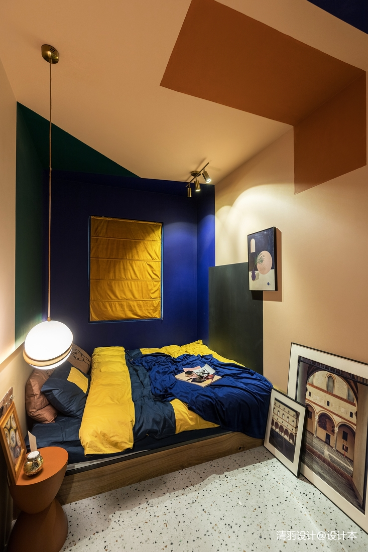 温馨90平混搭二居卧室布置图