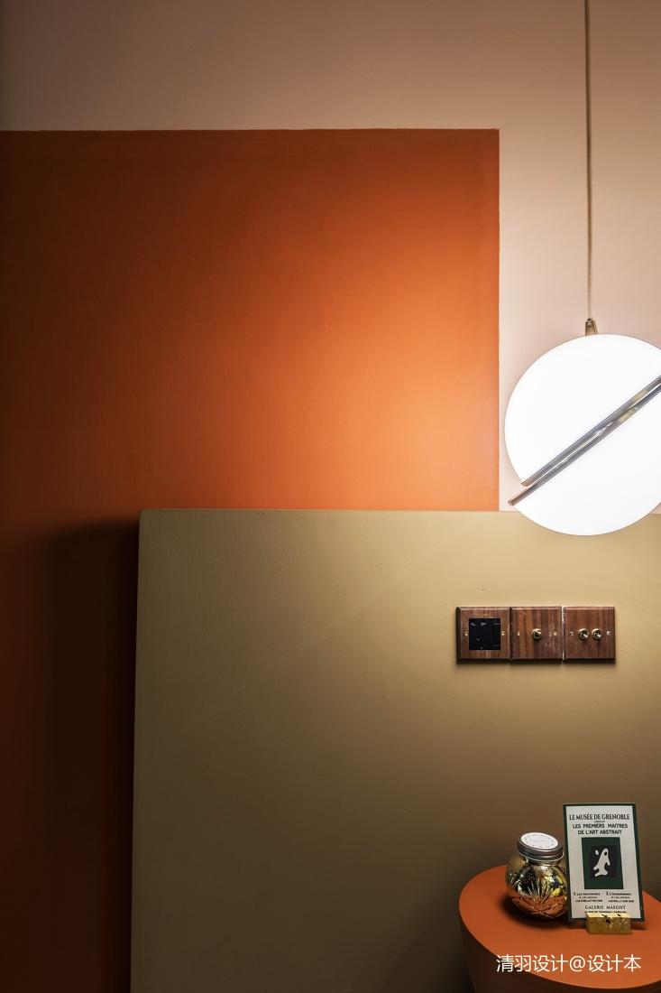 精致80平混搭二居客厅装饰图片