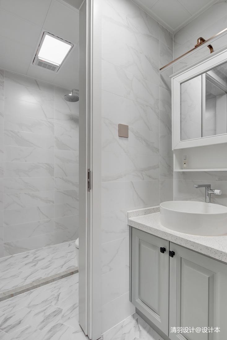 精致73平现代二居卫生间装修图片