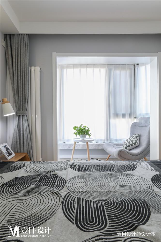 自由精致北欧风卧室阳台设计