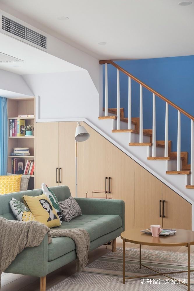 簡約清新北歐樓梯儲物柜設計