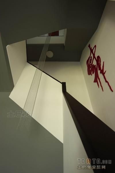 北欧风格复式室内过道设计图片