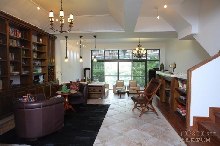 美式复式楼客厅装修效果图片