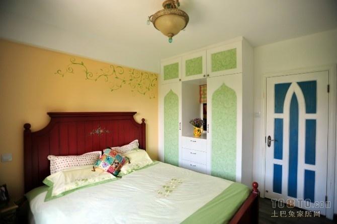 别墅卧室衣柜装修设计 地中海吊顶装修图片