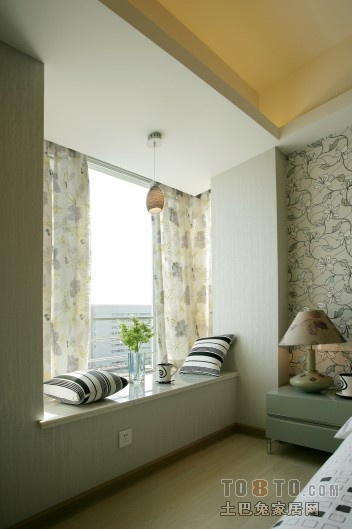 现代风格卧室飘窗装修效果图大全2013图片