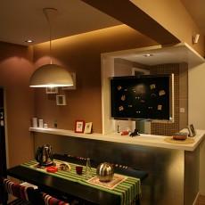 现代家庭餐厅装修图片