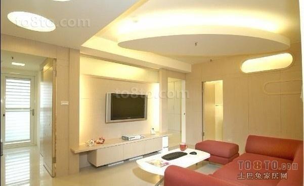 简约型电视机背景墙 打造80后温馨的客厅