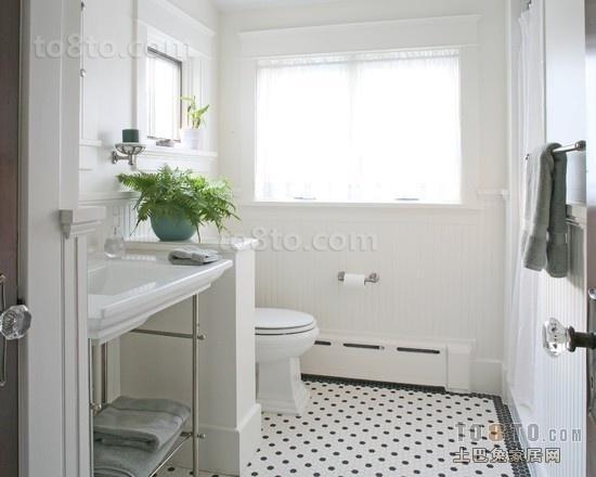 全白简约卫生间墙壁隔断装修效果图