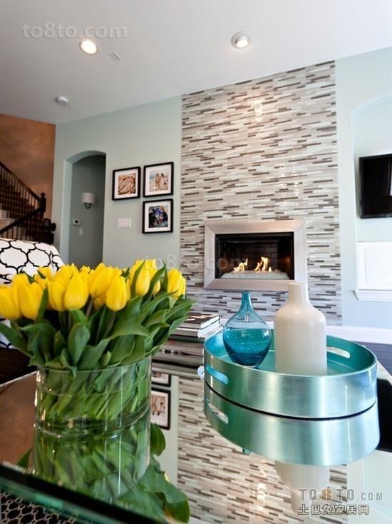 30㎡小复式客厅背景墙设计 超强利用空间