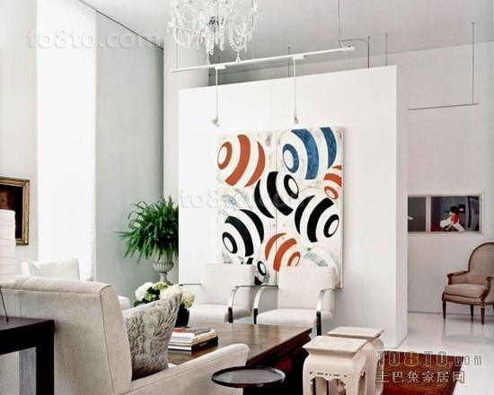 2012最新白色简约50㎡小户型客厅背景墙隔断装修
