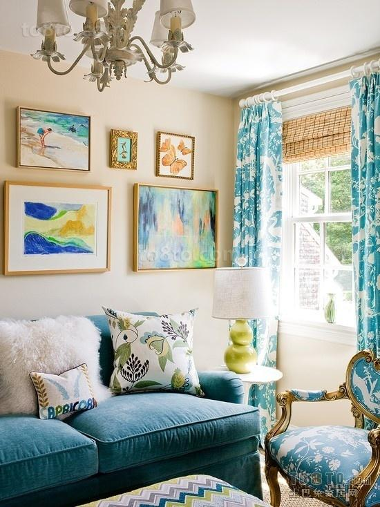 12平米客小厅 蓝色小清新的沙发背景墙打造地中海风格
