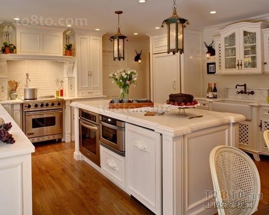 欧式现代二居室厨房装修效果图欣赏