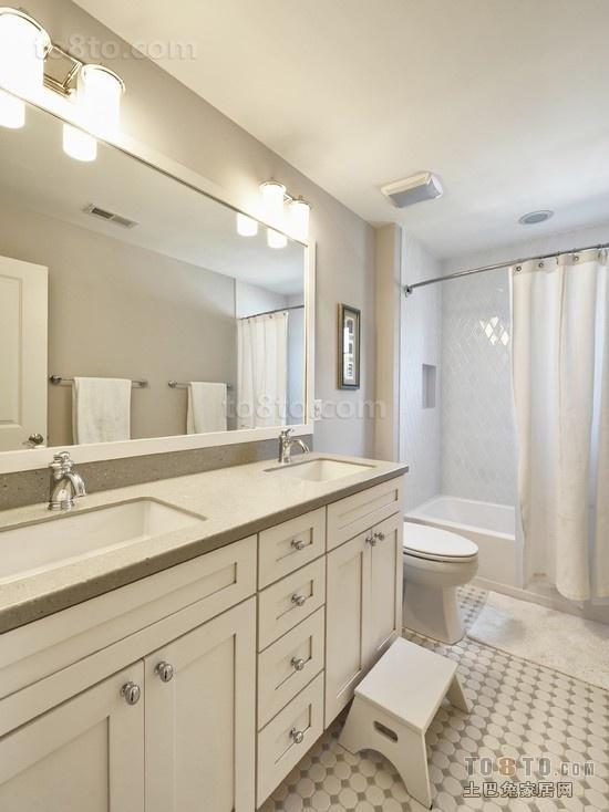 白色卫生间装饰效果图