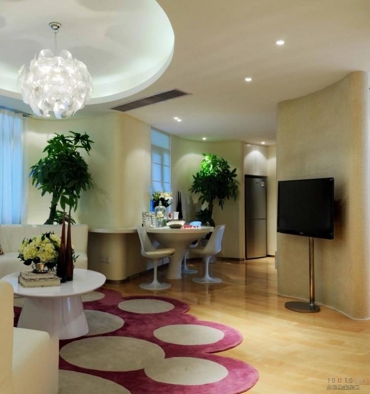 米色圆弧形背景墙,打造自然优雅的客厅