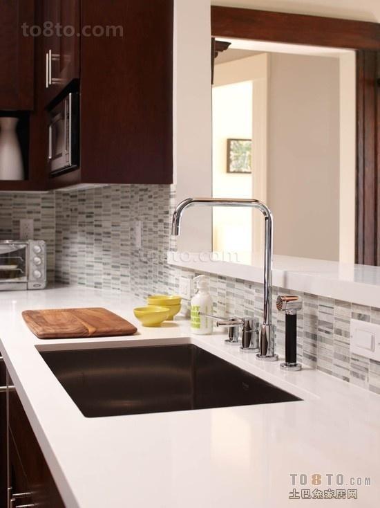 二居室厨房装修设计效果图 简洁干净