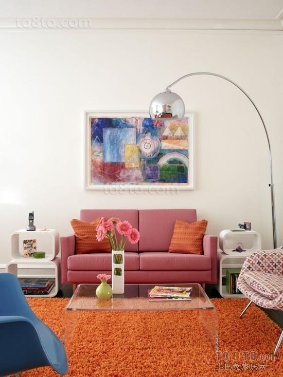 鲜明的色彩打造后现代风客厅装修效果图2012