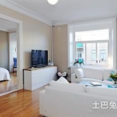 2018面积108平欧式三居客厅实景图片
