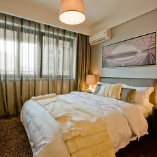 热门91平米三居卧室简约装修设计效果图片大全