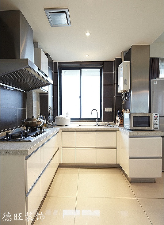 半开放式厨房装修效果图欣赏