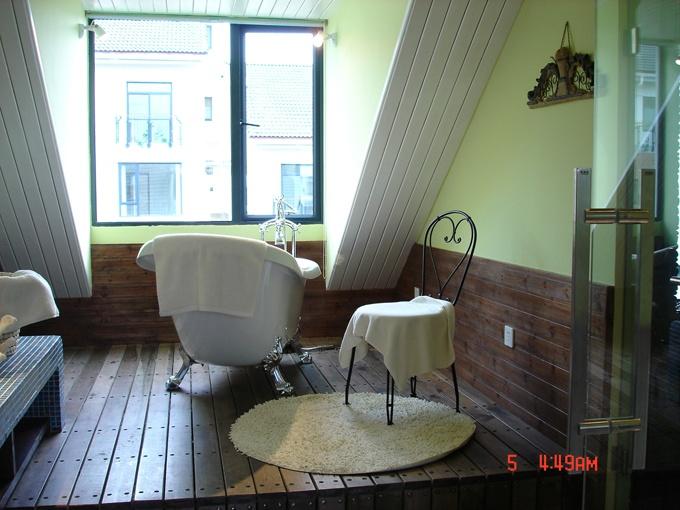 2013卫生间浴缸装修效果图