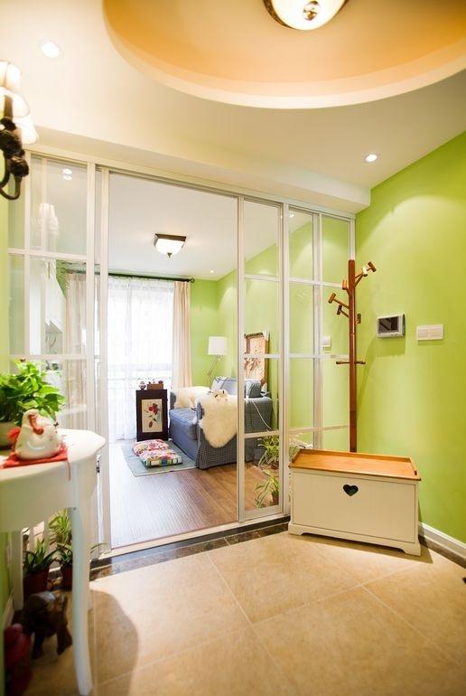 小客厅玄关装修效果图欣赏