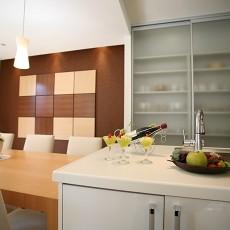 热门面积106平现代三居厨房装修设计效果图片