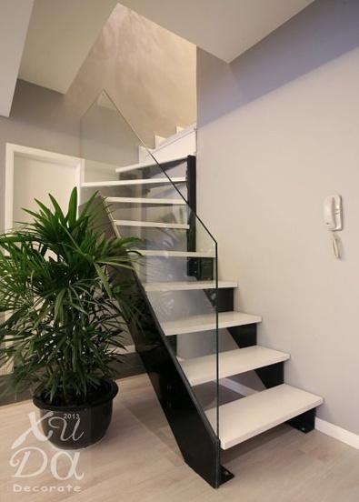 现代复式楼楼梯装修效果图