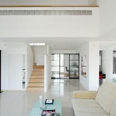 热门面积140平复式客厅现代实景图片欣赏