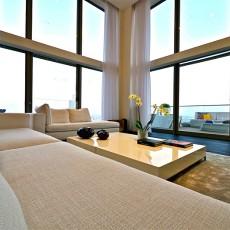 热门129平方现代别墅客厅装饰图