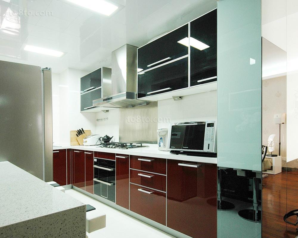 家装一字型厨房橱柜效果图欣赏
