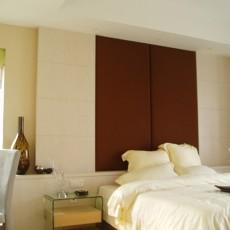简约卧室床头背景墙装修效果图